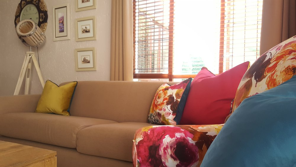 floral and bright sitting room makeover with