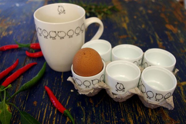 Stowe & so egg cups and mug with chick design