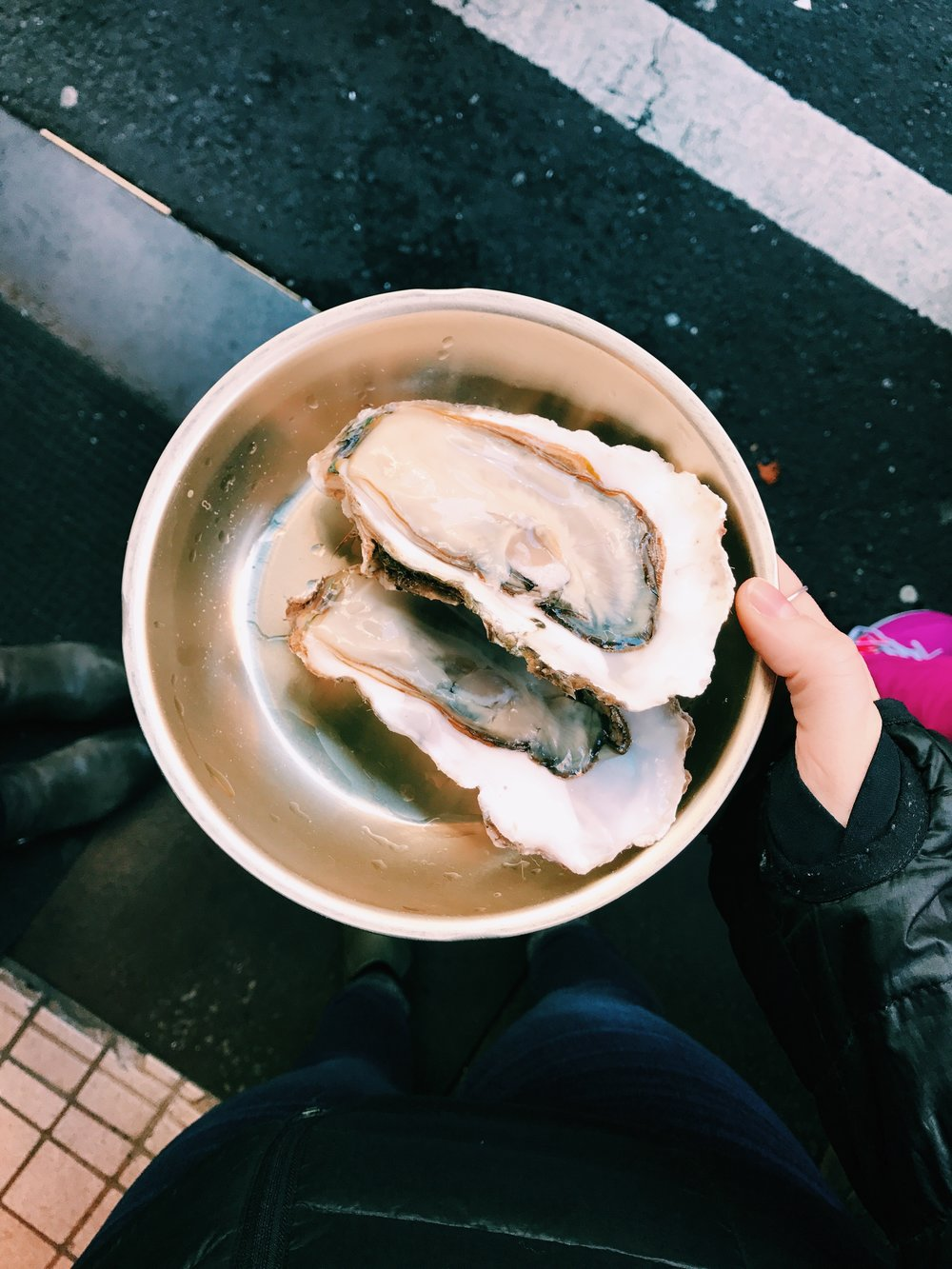 raw oysters the size of my hand.