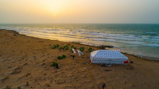 #DDK2017 | Check out the bivouac!⛺️📸 @julien_leleu #sidiali#water#volkswagenmaroc#azuralatomate#rrd#kitesurf#kitesurfing#sport#sea#wind#like#sunset#dakhla#downwind#lagouira#morocco