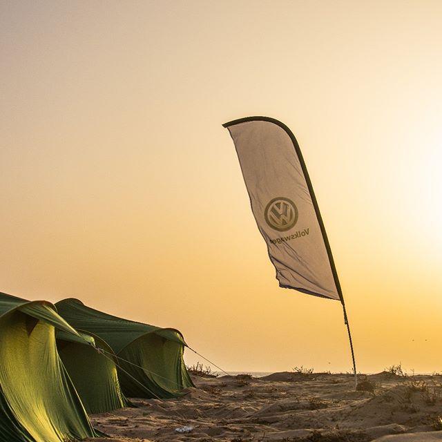 @dakhla_downwind 2017, 3td edition Dreams should go far beyond the horizon! supported by #volkswagenmaroc  #ddk2017 #morocco #downwind #dakhla #atlanticocean #adventure #saharadesert#breakingbounderies #kitesurf #kiteboarding