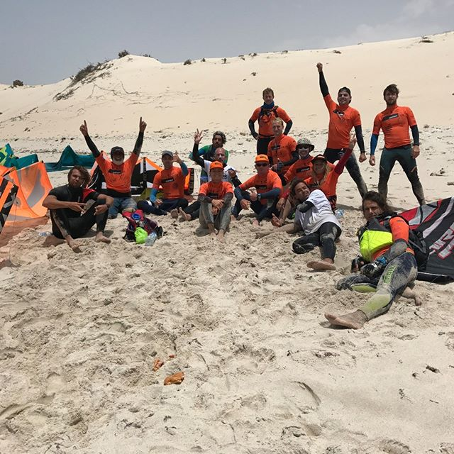 @dakhla_downwind 2017,  3td edition #ddk2017 #lunchtime #downwind #dakhla #morocco #longdistance @saharadesert #atlanticocen @kitesurfadventure #teamspirit #enjoy