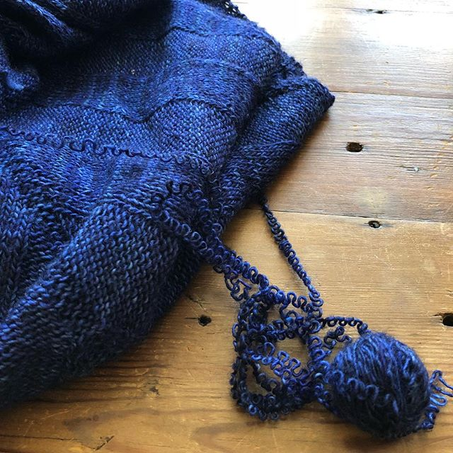 I unraveled today... for fun! Love the yarn, didn't love what became. It's now awaiting its next incarnation. #knittersofinstagram #unknitting #signsoflife