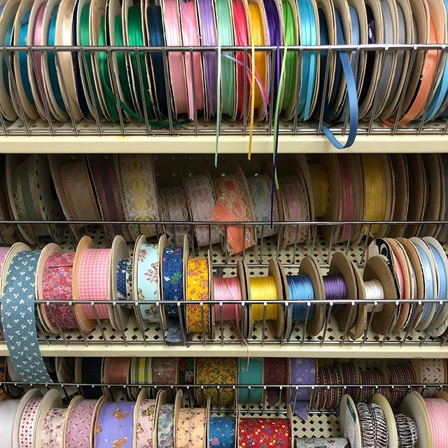 Stepped into a Ben Franklin store and stepped back into memories...of summer afternoons in junior high, trying to decide which ribbon to buy, to decorate my hair or to adorn something I was sewing. Oh, the possibilities! And, they still have these stores and displays!