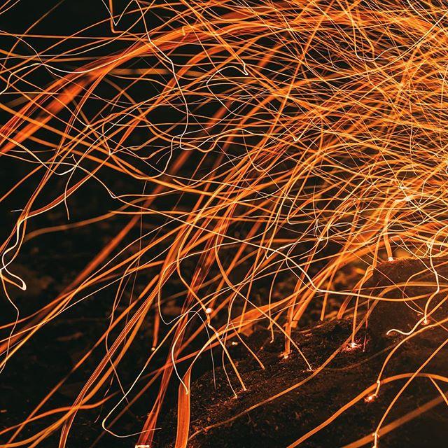 オートキャンプの時に火花を撮って遊んでました。 . . . #campfire #bonfire #fallvibes #wishyouwerenorthwest #northwestisbest #upperleftusa #rei1440project #getoutside #outsideisfree #neverstopexploring #outside_project #themountainsarecalling #liveunscripted #ig_mastery #lifeofadventure @_cloudline #naturesvisuals #inspiring_photography_admired #ig_shotz_october #briskoutdoors @awesomeglobe #theadventureproject #thewellcollective #liveoutdoors #greatshotz #pnwonderland #takemoreadventures #incrediblewest #freedomfromlukewarm #unexpectedrefreshment