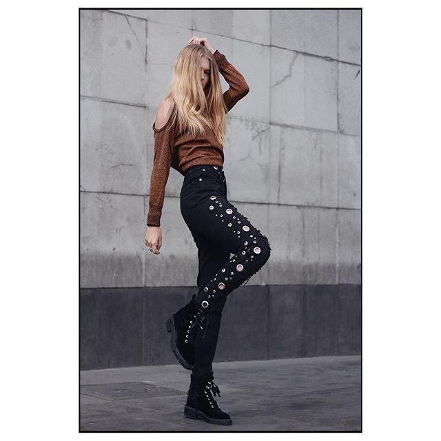 Women's Style  #fashion #fashionstyle #style #stylish #street #streetfashion #iamleoo #fashionweek #streetwear #mexico#streetstyle #likelike #like4like #instafashion  #instagood #woman #womansstyle #like4follow #f4f #style @dianatron #Makeup @tetepuig