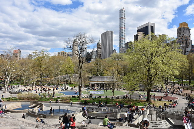 640px-Heckscher_Playground_and_Central_Park_South_skyline_from_Rat_Rock.jpg