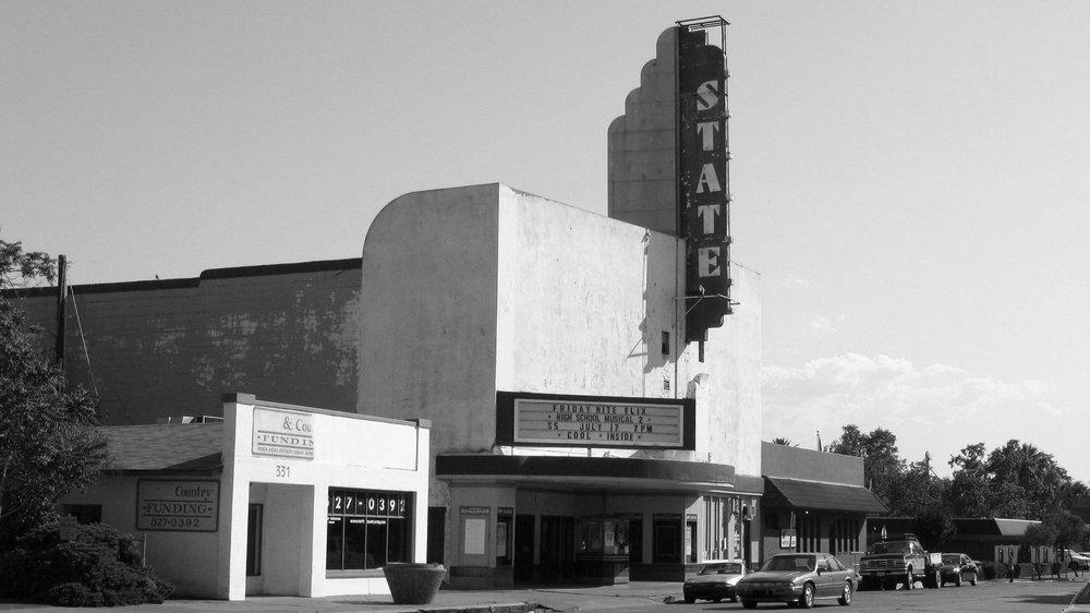 State_Theater_1946_-_Red_Bluff%2C_CA.jpg