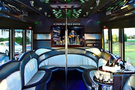 18p_bus2.jpg