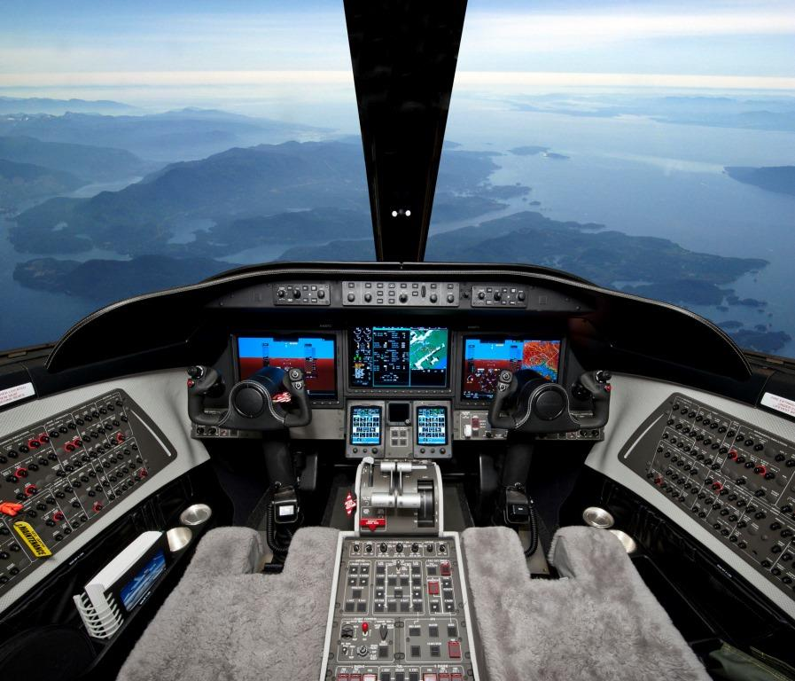 Learjet 75 Cockpit