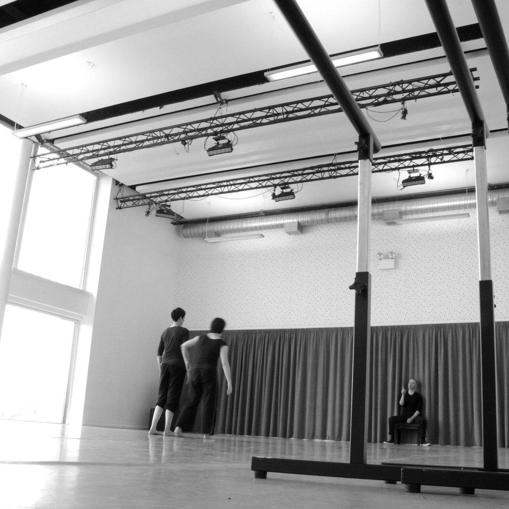 3MAURICE_KELLIHER_DANCE (1).JPG