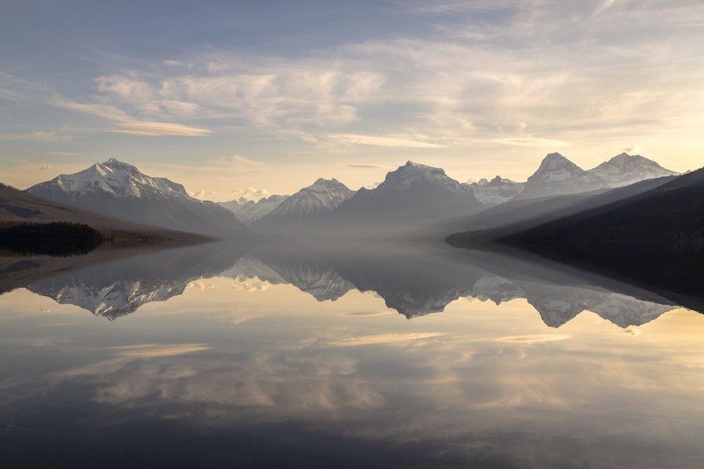 lake-mcdonald-landscape-panorama-sunset-158385_mini.jpeg