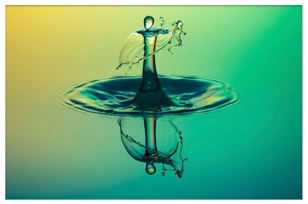 highspeed-photography-water-drop-of-water-alien-dance.jpg