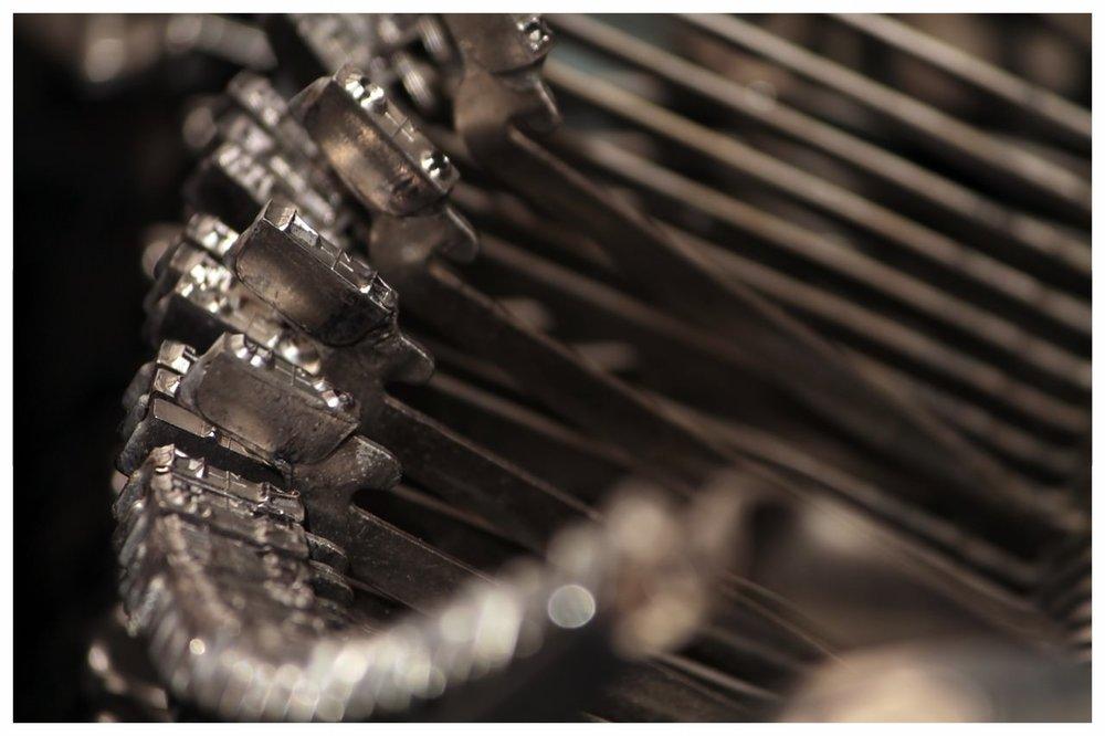 typewriter-111407_1280.jpg