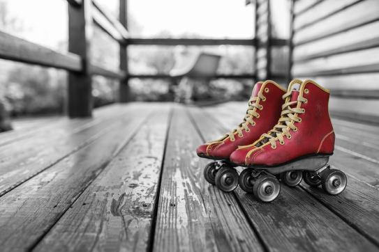 red-vintage-shoes-sport.jpg