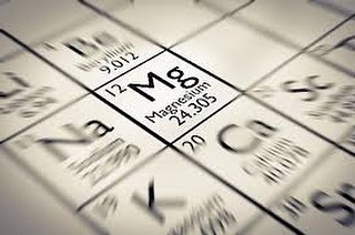 MAGNESIUM ⬛️ The human body contains around 25 gram (g) of magnesium, 50 to 60 percent of which is stored in the skeletal system. The rest is present in muscle, soft tissues, and bodily fluids. 💧By soaking in the float tank filled with high levels of epsom salt you will absorb magnesium transdermally, through the skin.  Full blog here —   http://www.honestfloating.com/blog/2018/11/7/epsom-salt-soaks-increase-magnesium #float #floattank #epsomsalt #magnesium