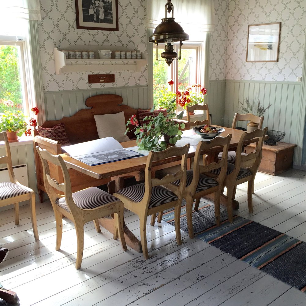 Aland my dining room.jpg