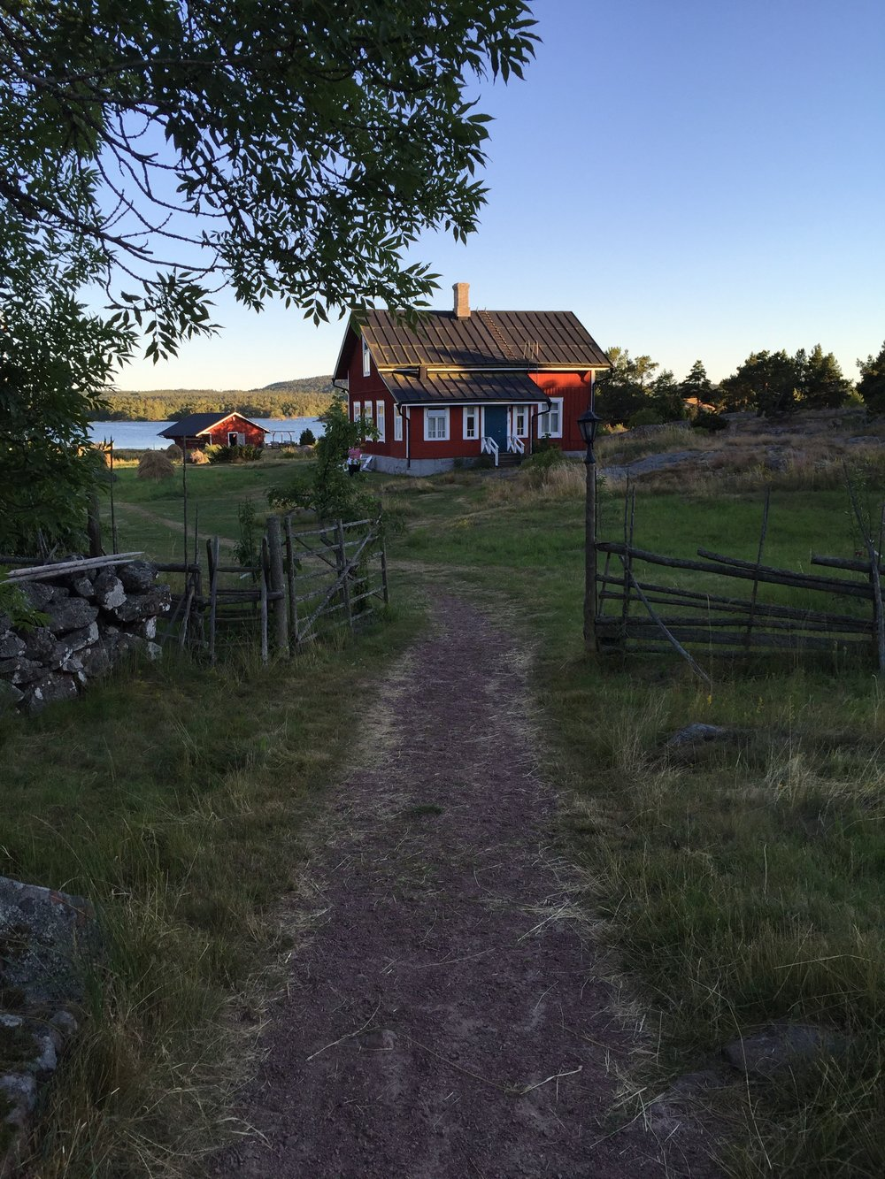 Aland path to house.jpg