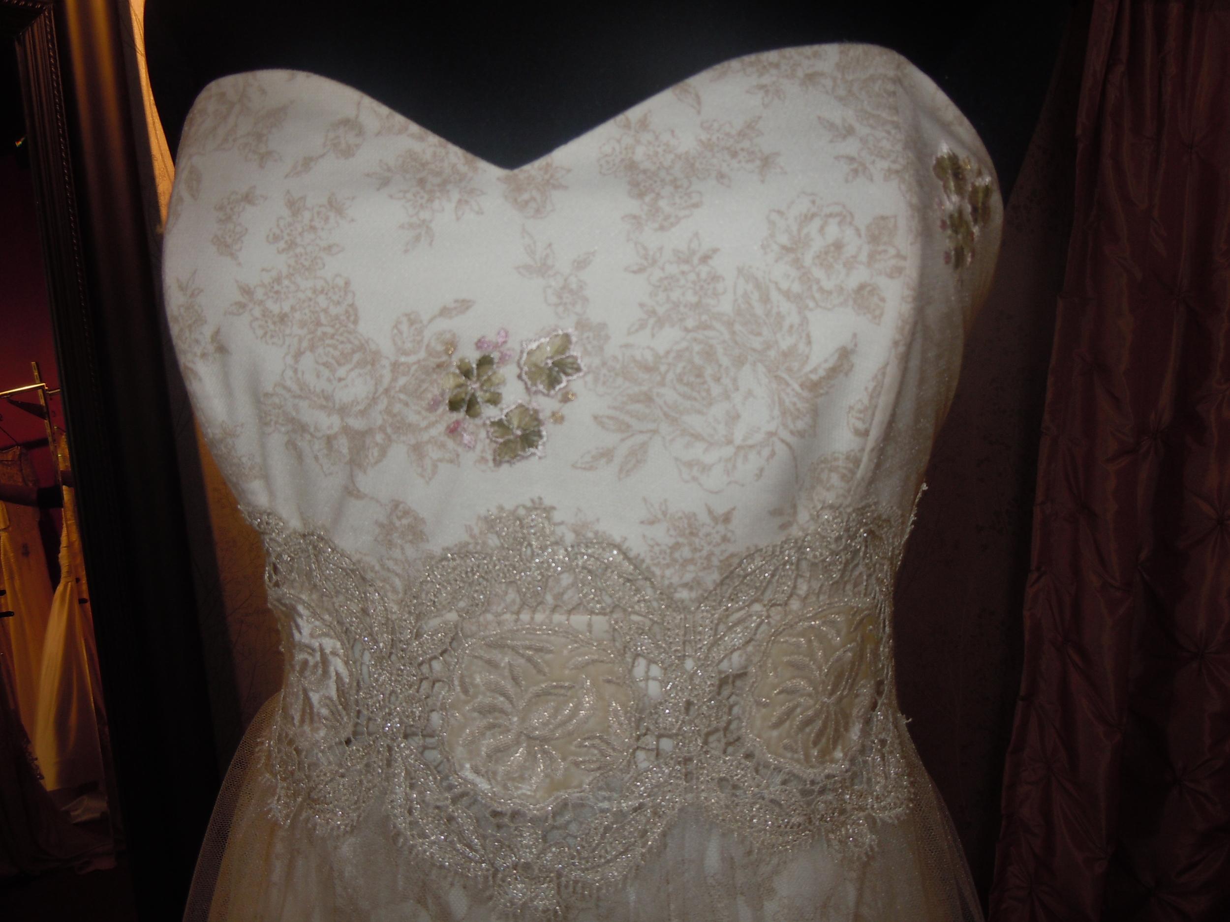Claire Pettibone Fleur de Jour bridal gown detail