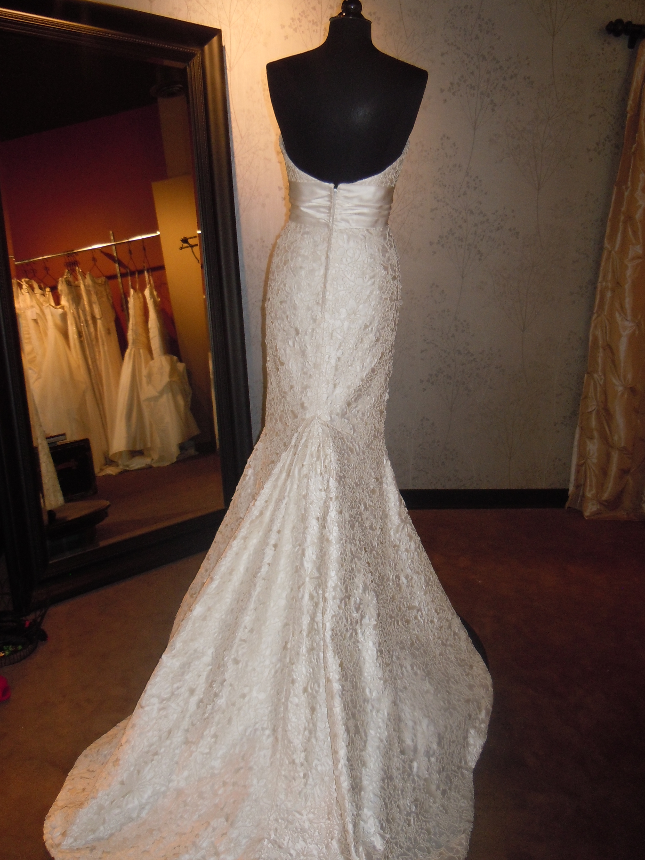 Elizabeth Fillmore Amelia bridal gown