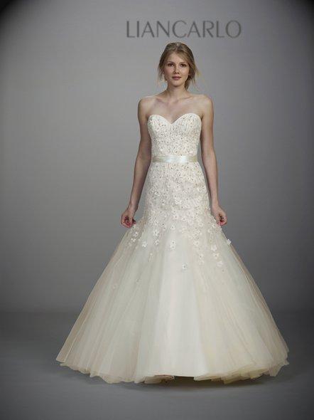 phoca_thumb_l_liancarlo-bridal-ss13-23