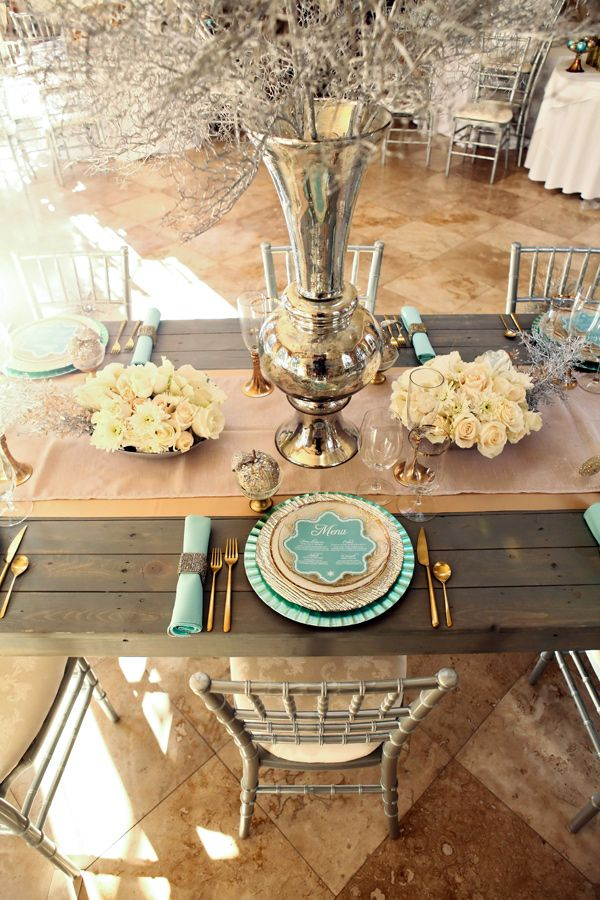 Love this color combination for the tablescape