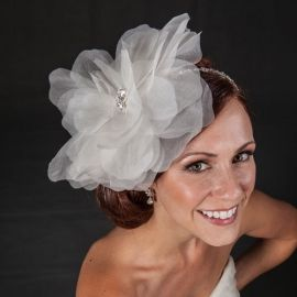 The Berkeley fascinator by Love Veils
