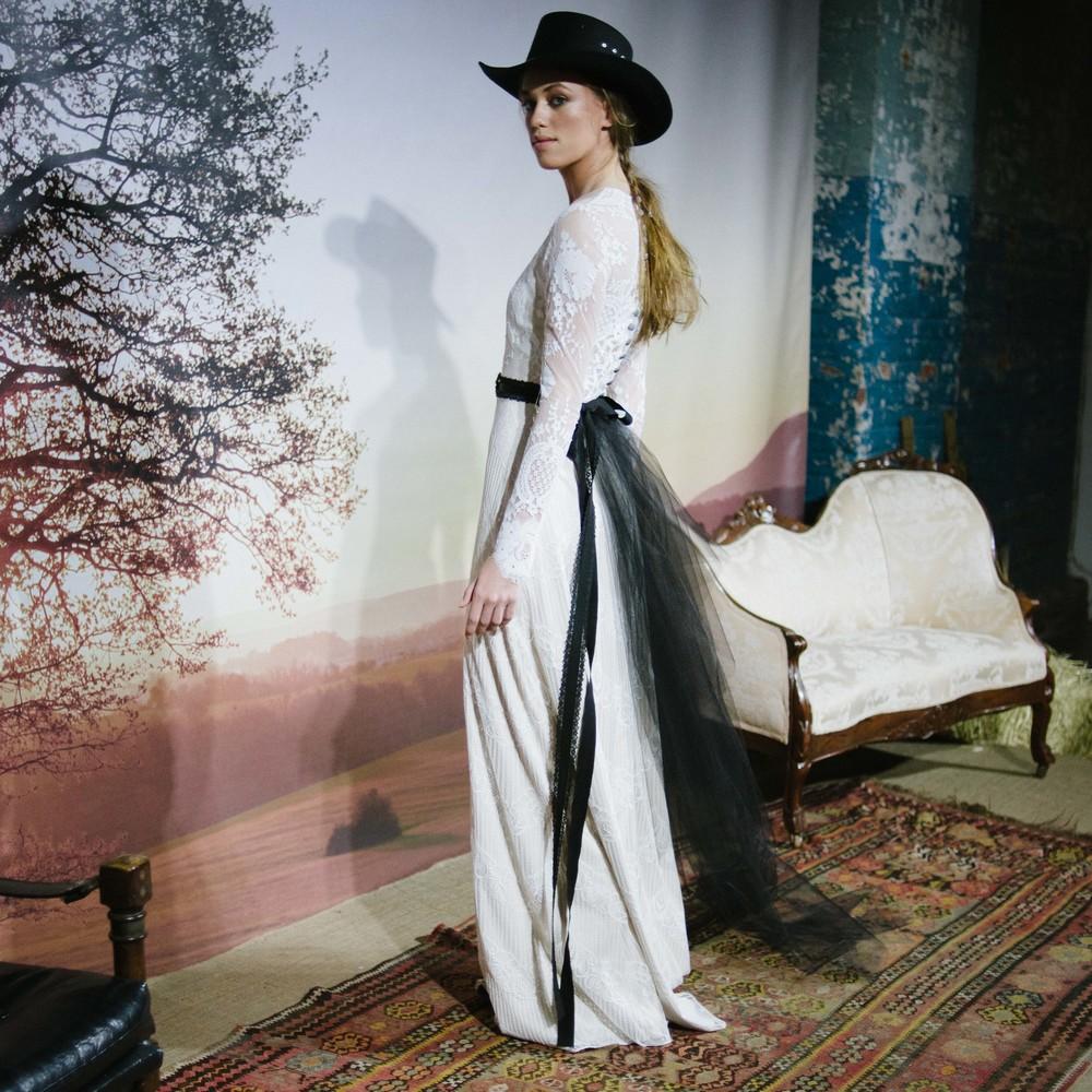 Claire Pettibone Romantique
