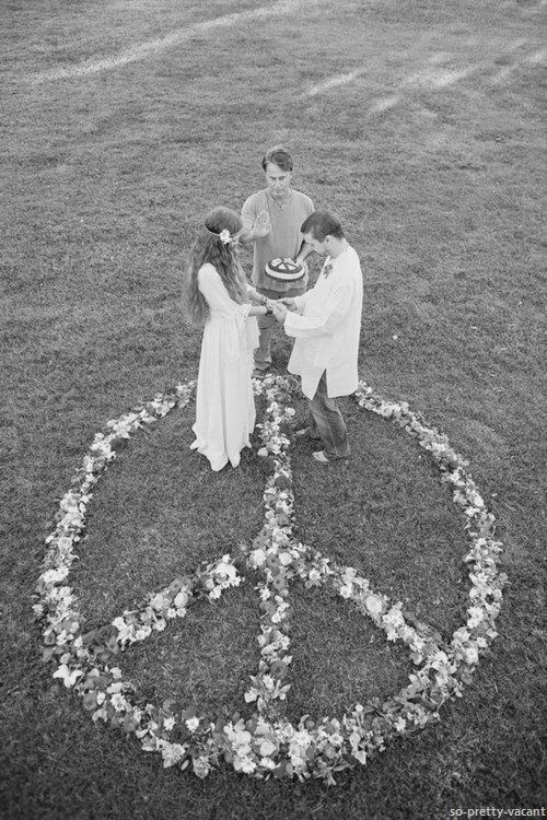 Peace sign flowers for the boho wedding ceremony