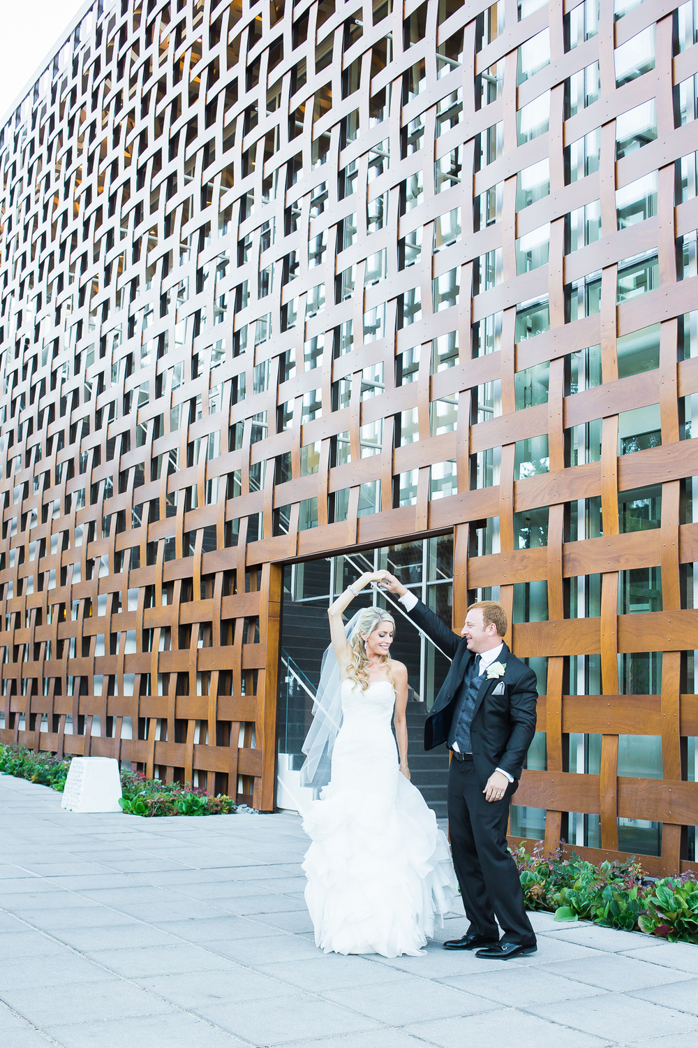Aspen Art Museum Wedding | Wedding Dress from Little White Dress in Denver | Amy Bluestar Photography