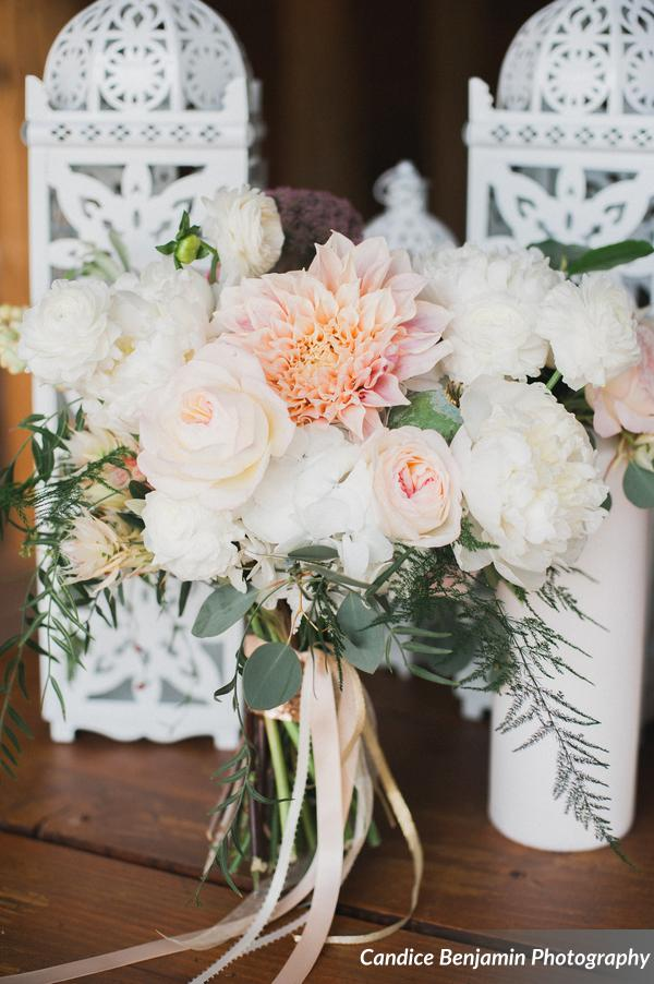 Luxurious Mountain Shoot at Piney River Ranch | Lace and Lilies flowers | Candice Benjamin Photography