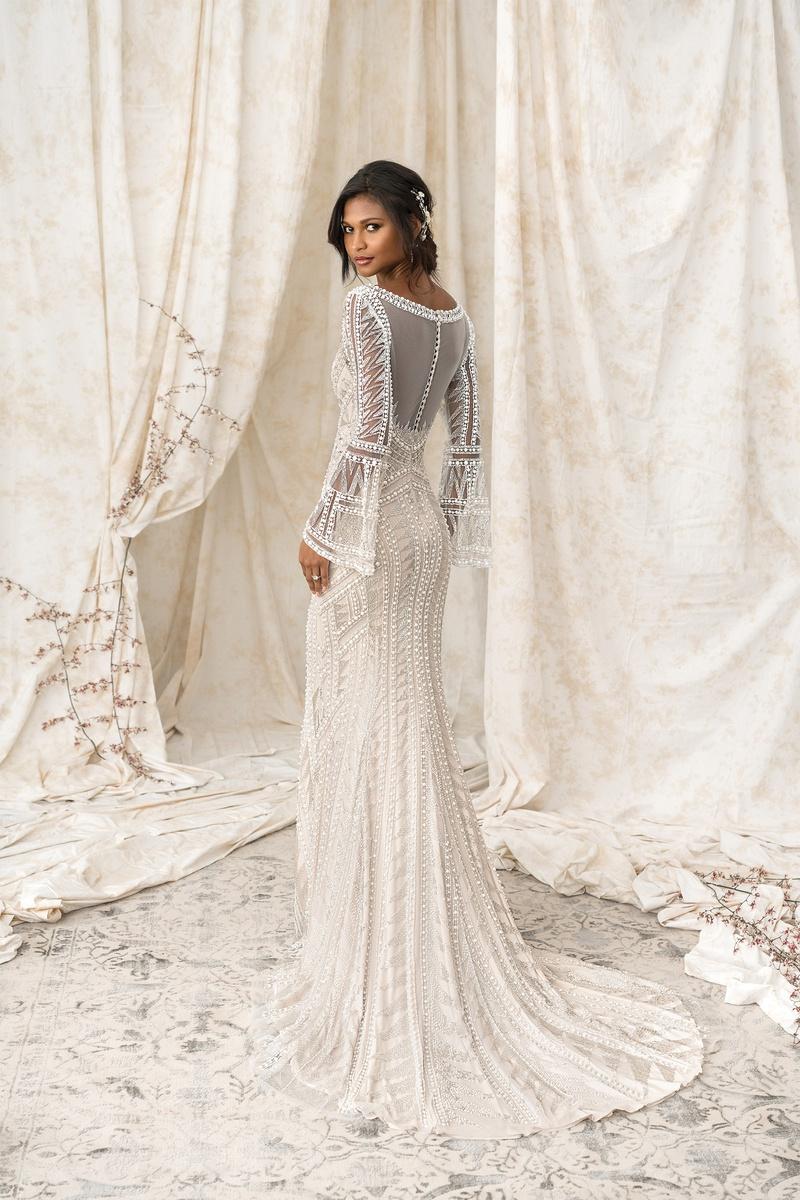 ... Fe0dba3dd1ed84b7a7e2d2735d0ab7c4 JAS_9856_SALES_0134  C228f622e53b7568c1f28100d44db9ff Elegant, Timeless Wedding Dresses From  Justin ...