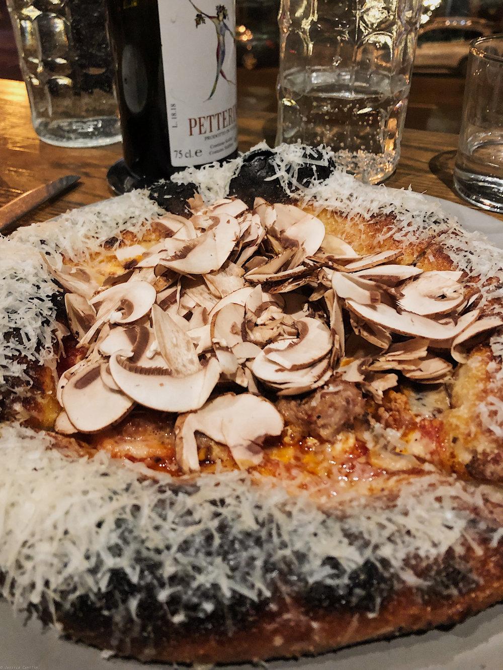 Pizza at Che Fico