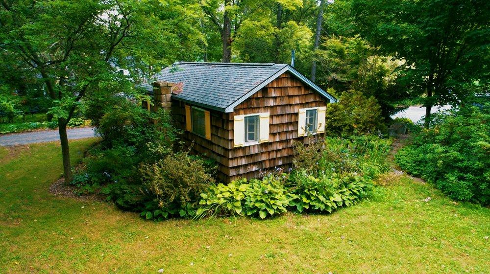 side of cottage (Michael DeRosa).jpg