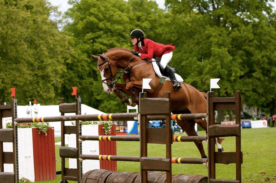 Hanna Oldenburg and Baileys competing in Strömsholm, Sweden.