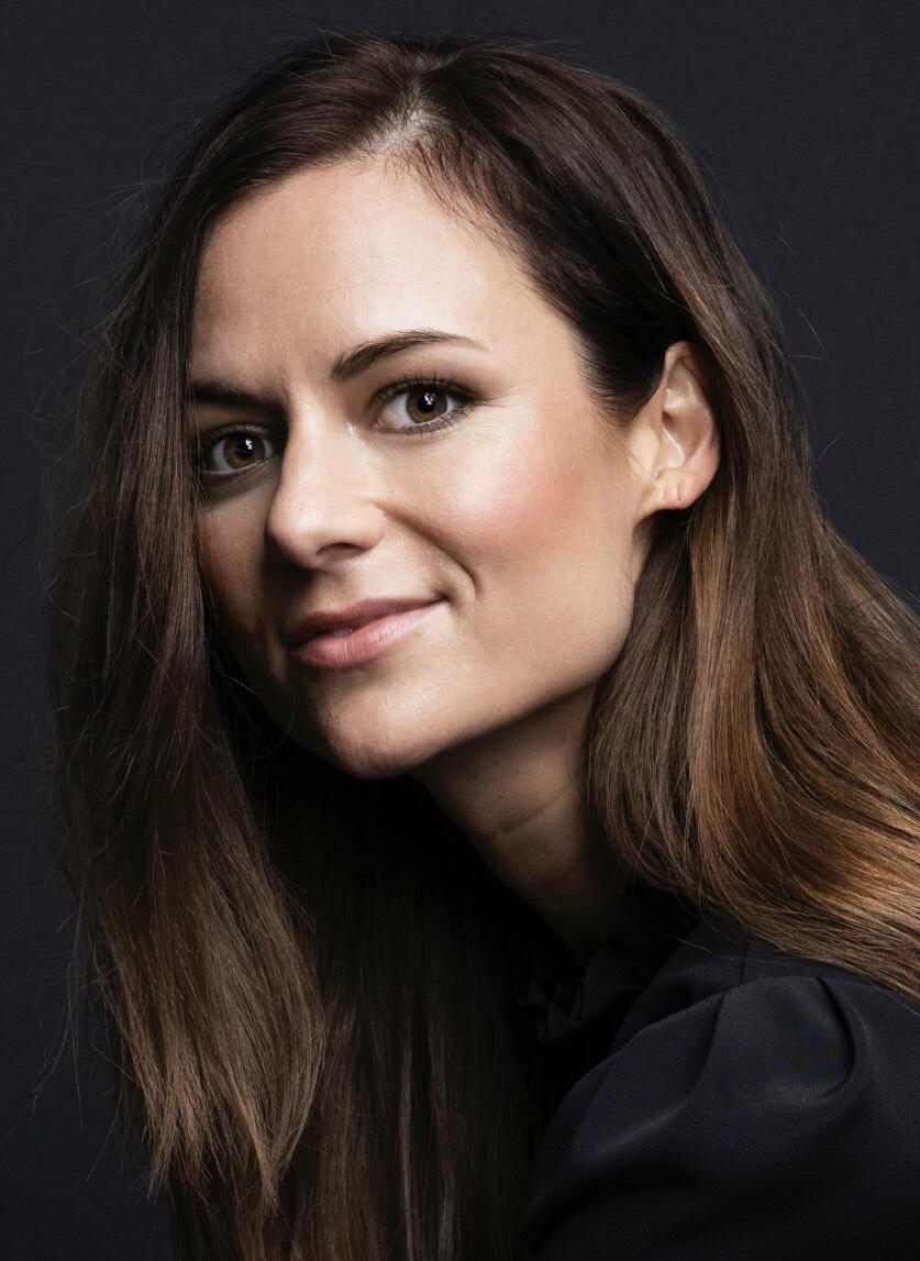 Hanna Oldenburg headshot.jpeg