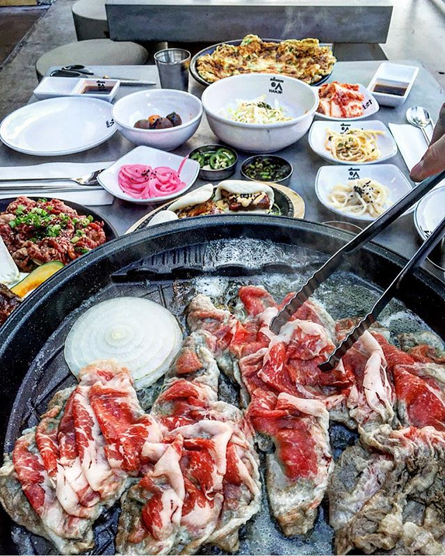 #Korean bbq'ing #alfresco here @hanjipbbq 😎 just ask your server next time you come by 🙌 #bbq #koreanfood #instagood #chef #cheflife #losangeles #eeeeeats #picoftheday @frenchyfoody @misterfrancois