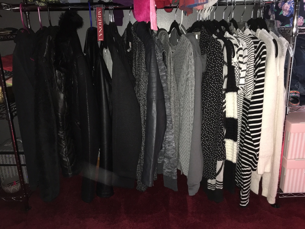 I told you guys that I have mostly all blacks and grays in my wardrobe!