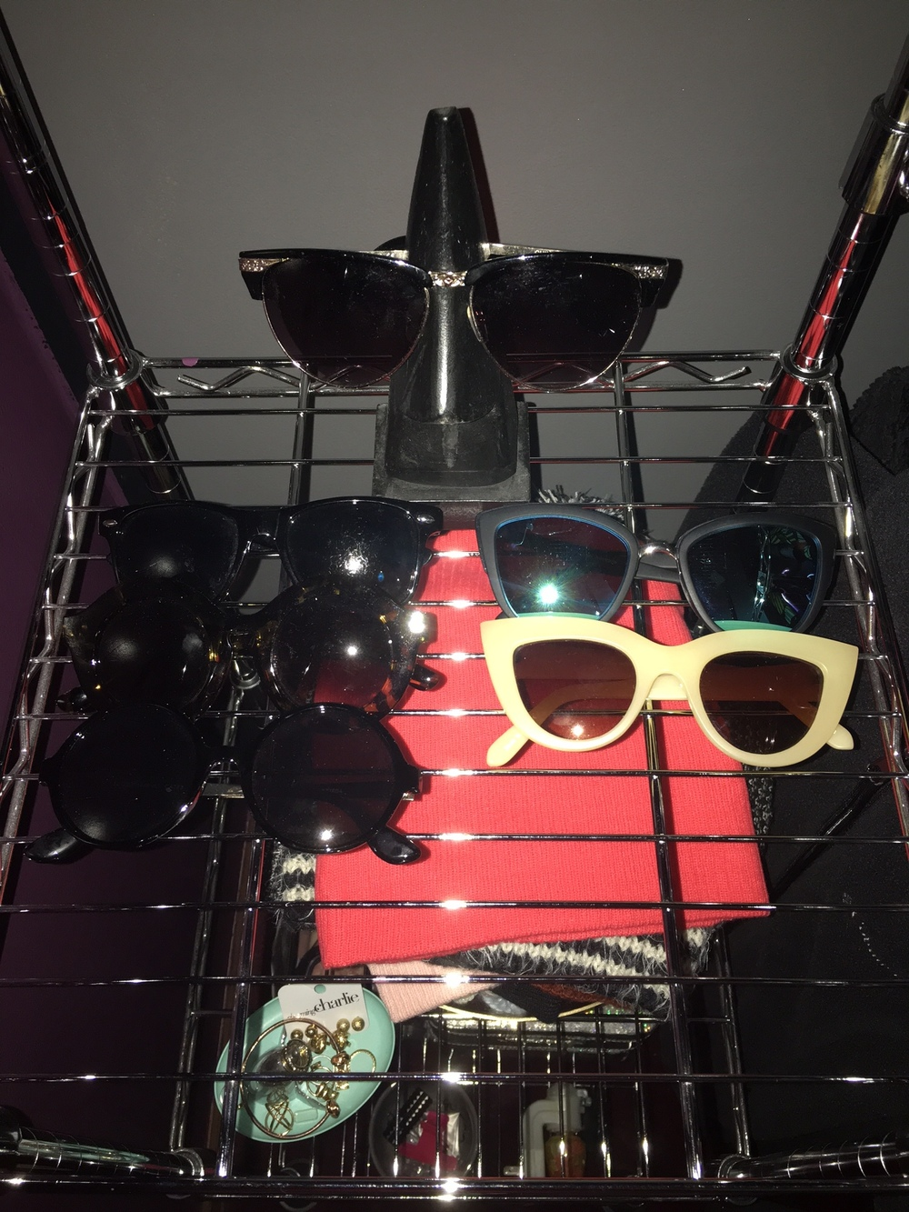 Since the end of last year to now, I have been completely obsessing over sunglasses. I honestly would have more on my shelf but I tried my best to hold myself back since I'm saving to move out of state here soon. (Even though tons of sunglasses would come handy in that hot,gorgeous, humid state!)