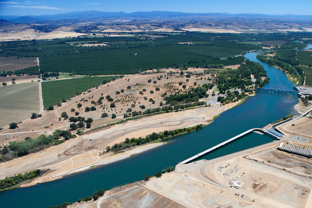 East Sand Slough, a floodplain area across the river from the pump station, provided an ideal nearby mitigation site. But the complex hydraulic, sediment transport, and groundwater dynamics in the slough meant that a mitigation design needed to withstand conditions ranging from bone-dry to raging torrent.