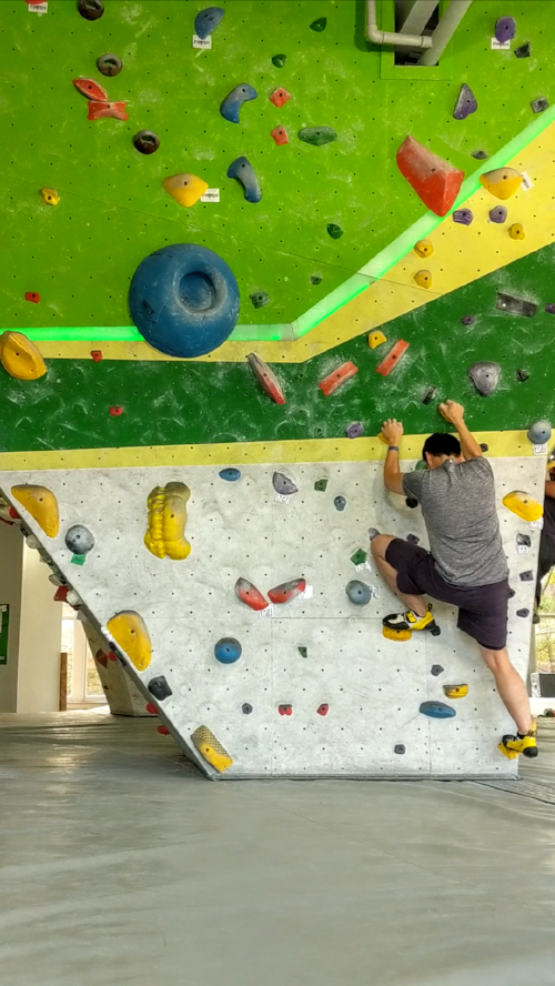 About to crush the absolute rocks out of this V0 problem.