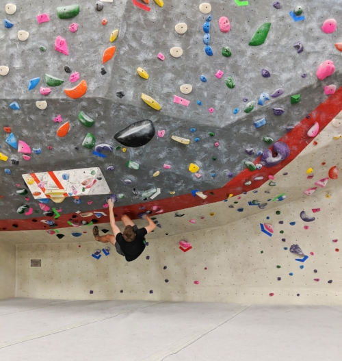 My favorite feature of the bouldering mezzanine at this location. Where O where has my lower core strength gone?