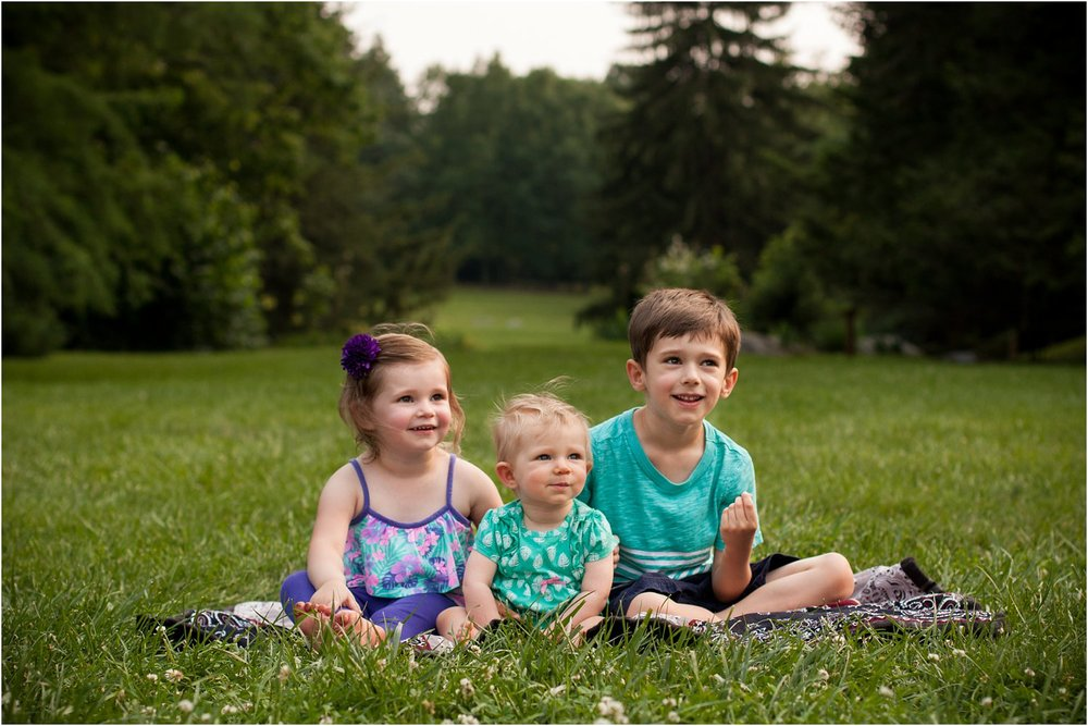 Blandy_Arboretum_Sibling_Mini_Sessions_Ouzts_0011.jpg