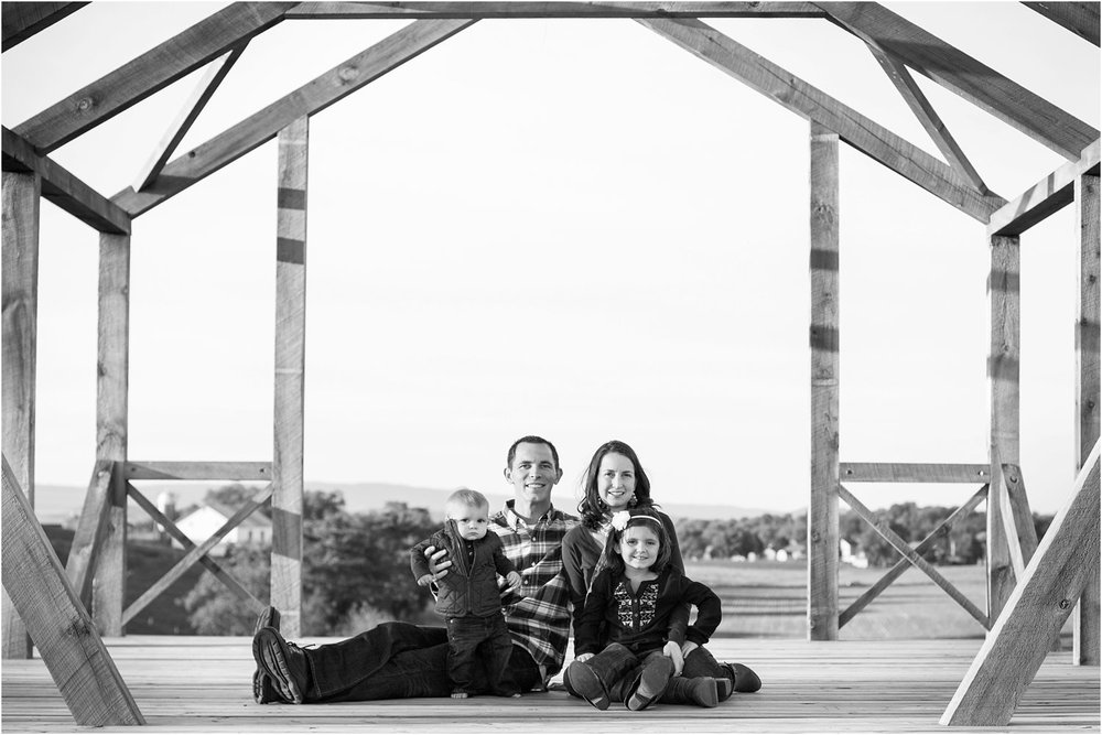 Sunny_Slope_Farm_Harrisonburg_Family_Portrait_0018.jpg