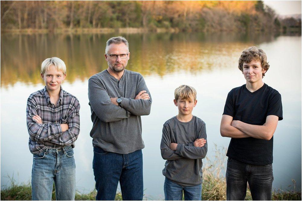 Lake_Shenandoah_Harrisonburg_VA_Family_Portrait_0016.jpg