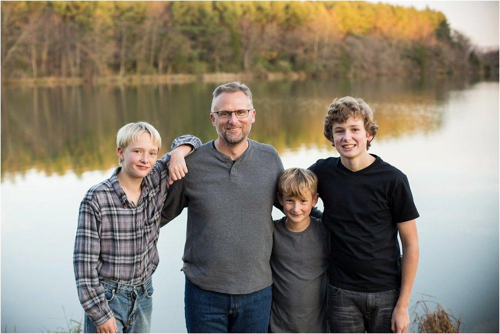 Lake_Shenandoah_Harrisonburg_VA_Family_Portrait_0018.jpg