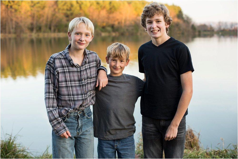 Lake_Shenandoah_Harrisonburg_VA_Family_Portrait_0015.jpg