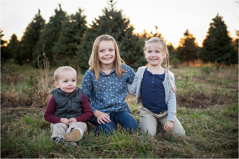 Evergreen_Christmas_Tree_Farm_Keezletown_VA_Family_0019.jpg