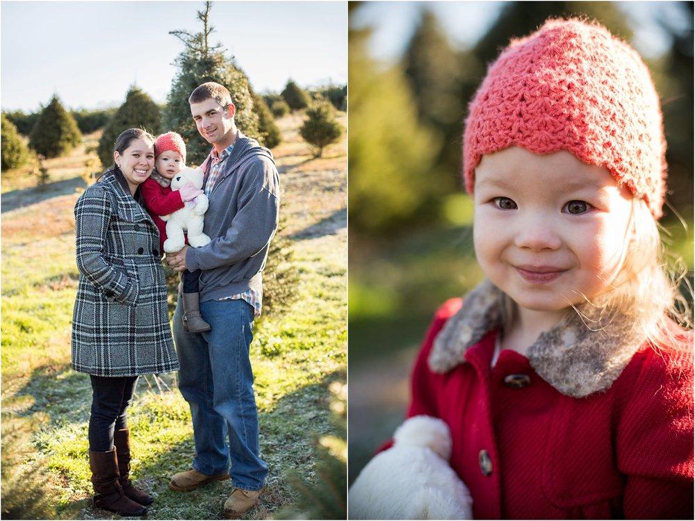 Moose_Apple_Chrismas_Tree_Farm_Family_Portraits_0003.jpg