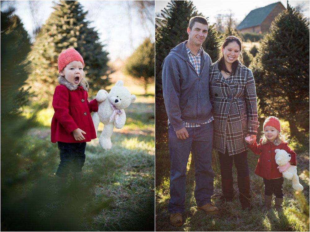 Moose_Apple_Chrismas_Tree_Farm_Family_Portraits_0007.jpg